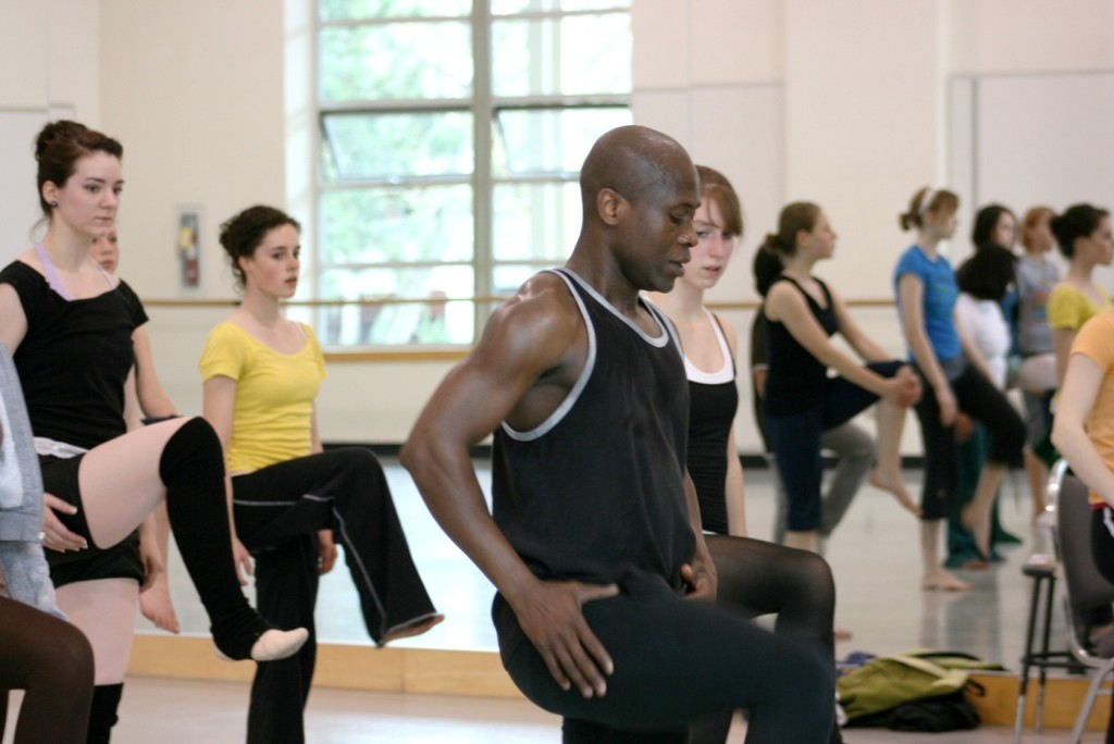 Gansango - Etienne Cakpo teaching